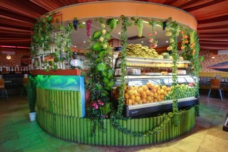 The circular juice bar at Lona Grill